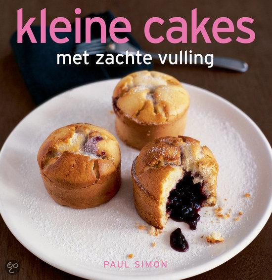 Kleine cakes met zachte vulling
