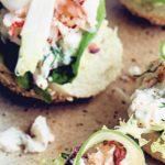 Broodje krabsalade met aspergelinten