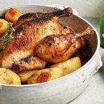 Langzaam geroosterde kip en aardappels