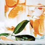 Kurkuma, wortel en mandarijnwater